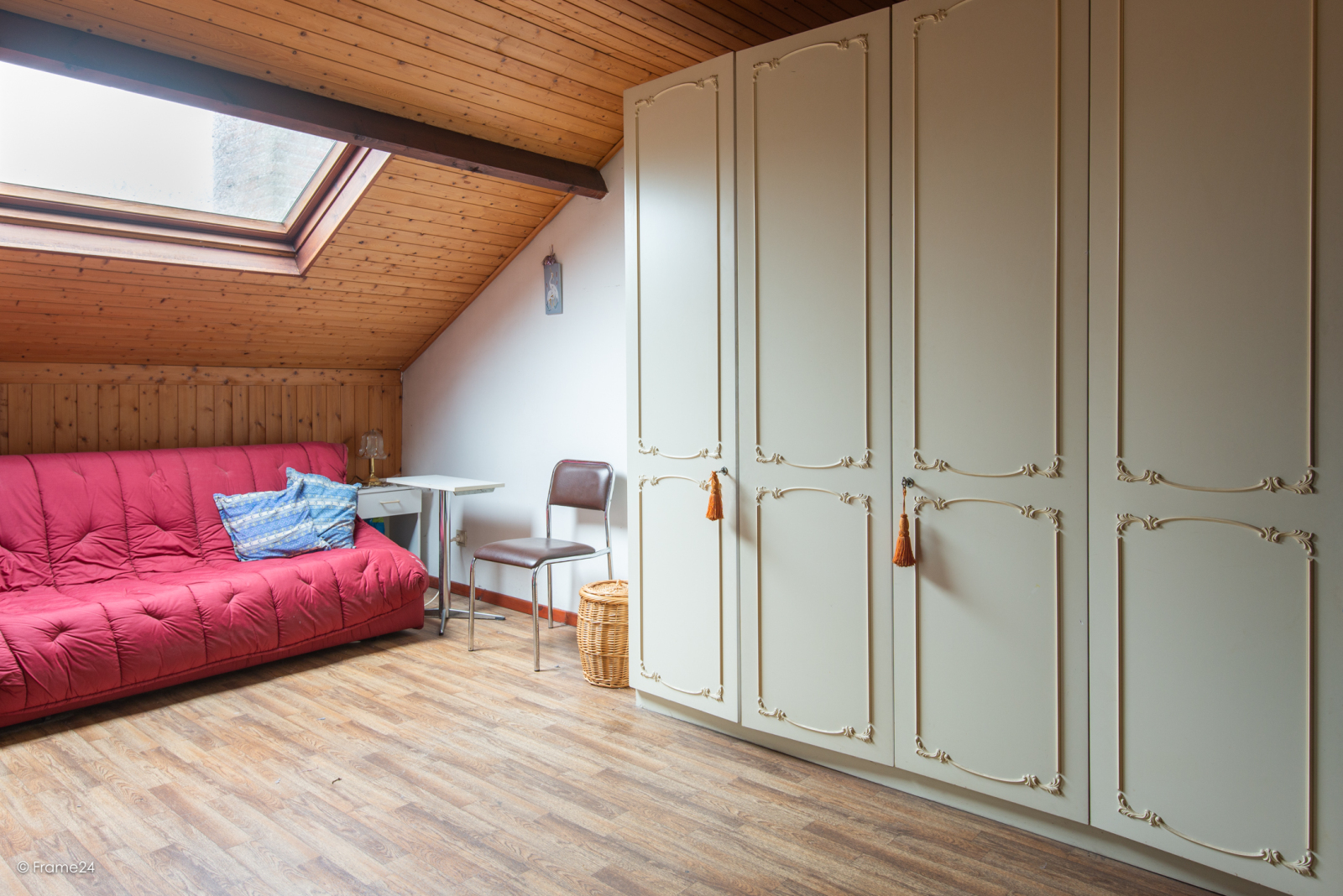 Zeer verzorgde halfopen woning met drie slaapkamers, garage, leuke tuin en gelegen op een toplocatie te Wijnegem!  afbeelding 14