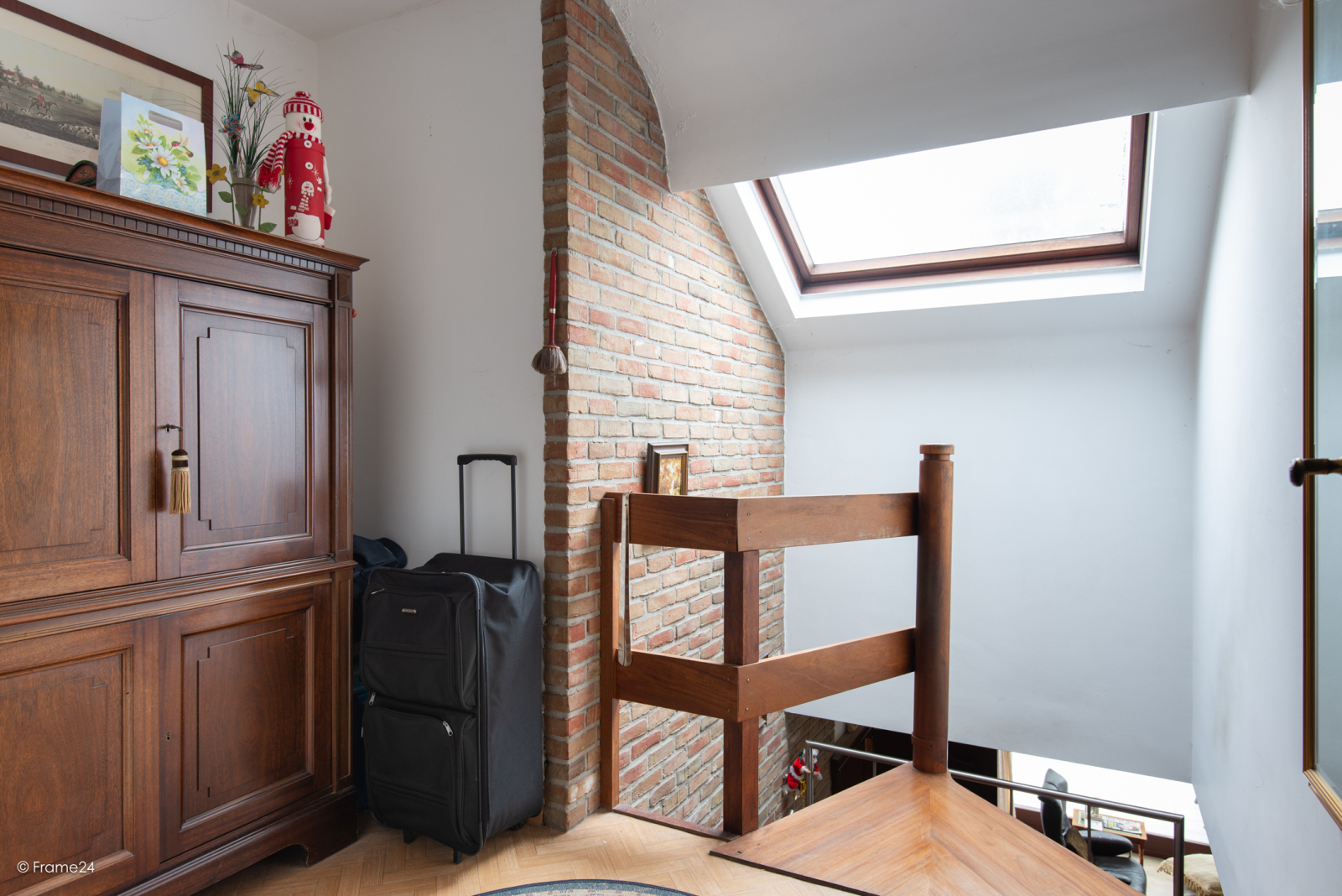 Zeer verzorgde halfopen woning met drie slaapkamers, garage, leuke tuin en gelegen op een toplocatie te Wijnegem!  afbeelding 17