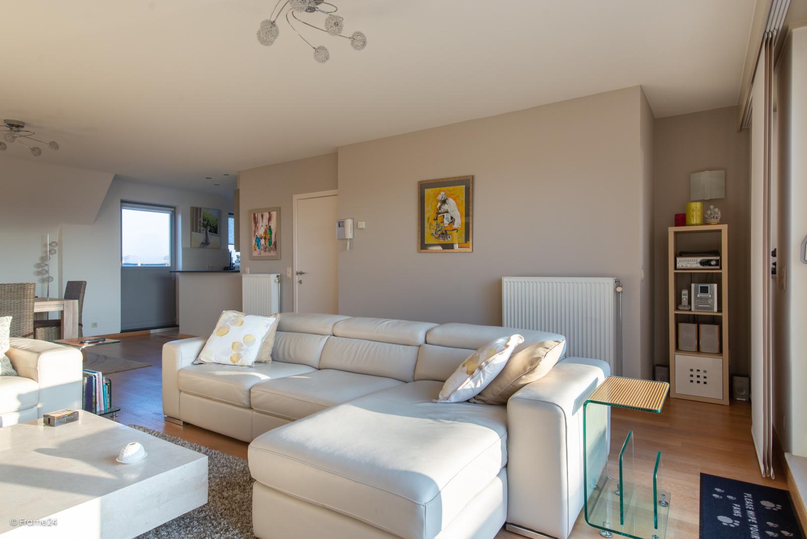 Riant dakappartement (130 m²) met zonnig terras in residentie 'Eyserhof' te Wijnegem! afbeelding 4