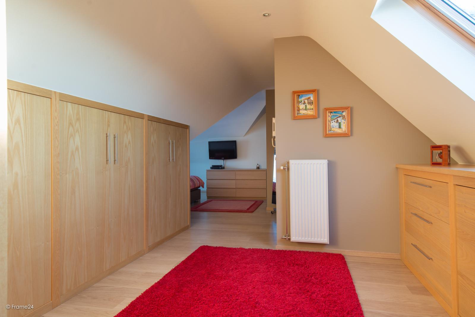 Riant dakappartement (130 m²) met zonnig terras in residentie 'Eyserhof' te Wijnegem! afbeelding 21