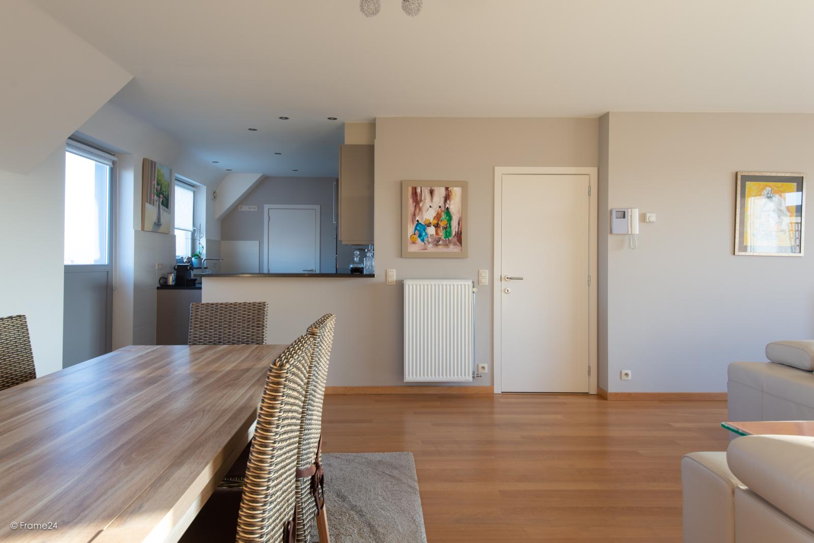 Riant dakappartement (130 m²) met zonnig terras in residentie 'Eyserhof' te Wijnegem! afbeelding 10