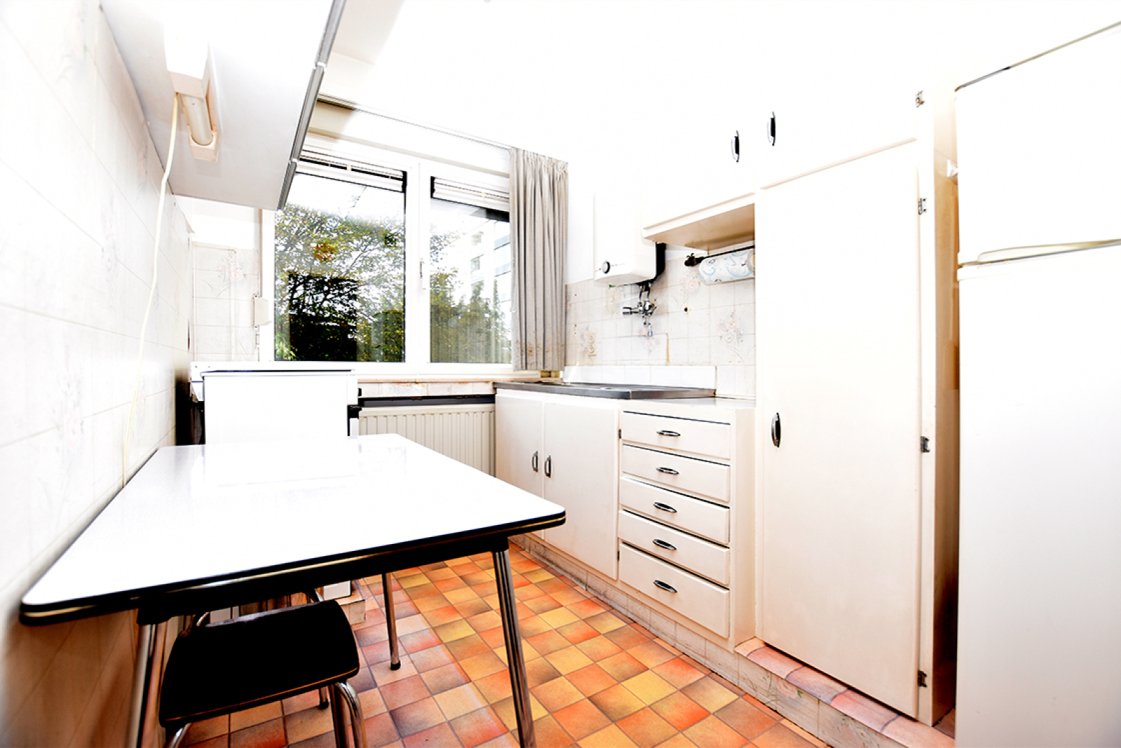 Te renoveren appartement met twee slaapkamers in een rustige straat te Deurne!  afbeelding 3