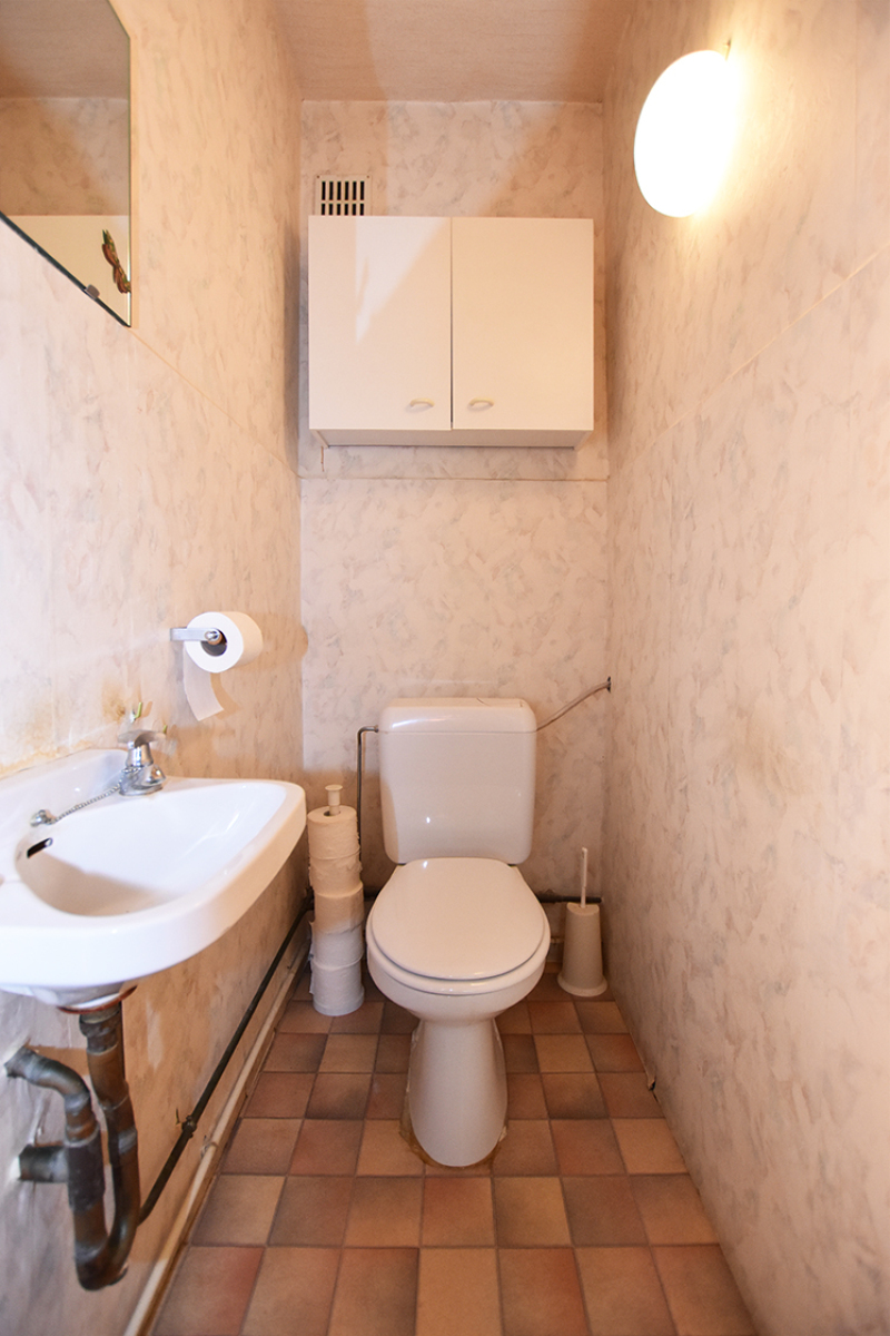 Te renoveren appartement met twee slaapkamers in een rustige straat te Deurne!  afbeelding 5