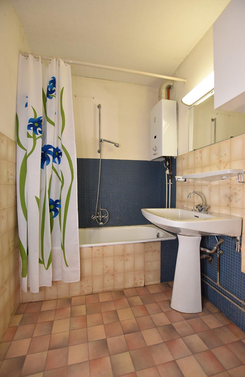 Te renoveren appartement met twee slaapkamers in een rustige straat te Deurne!  afbeelding 6