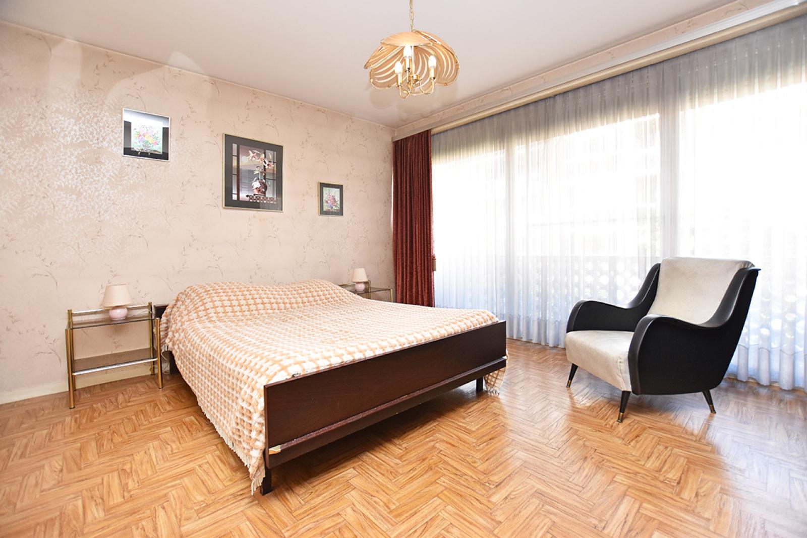 Te renoveren appartement met twee slaapkamers in een rustige straat te Deurne!  afbeelding 7