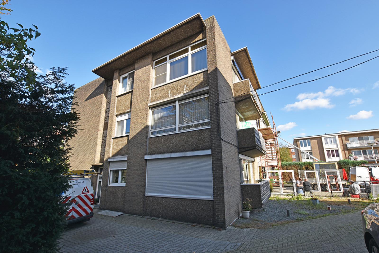 Te renoveren appartement met twee slaapkamers in een rustige straat te Deurne!  afbeelding 9