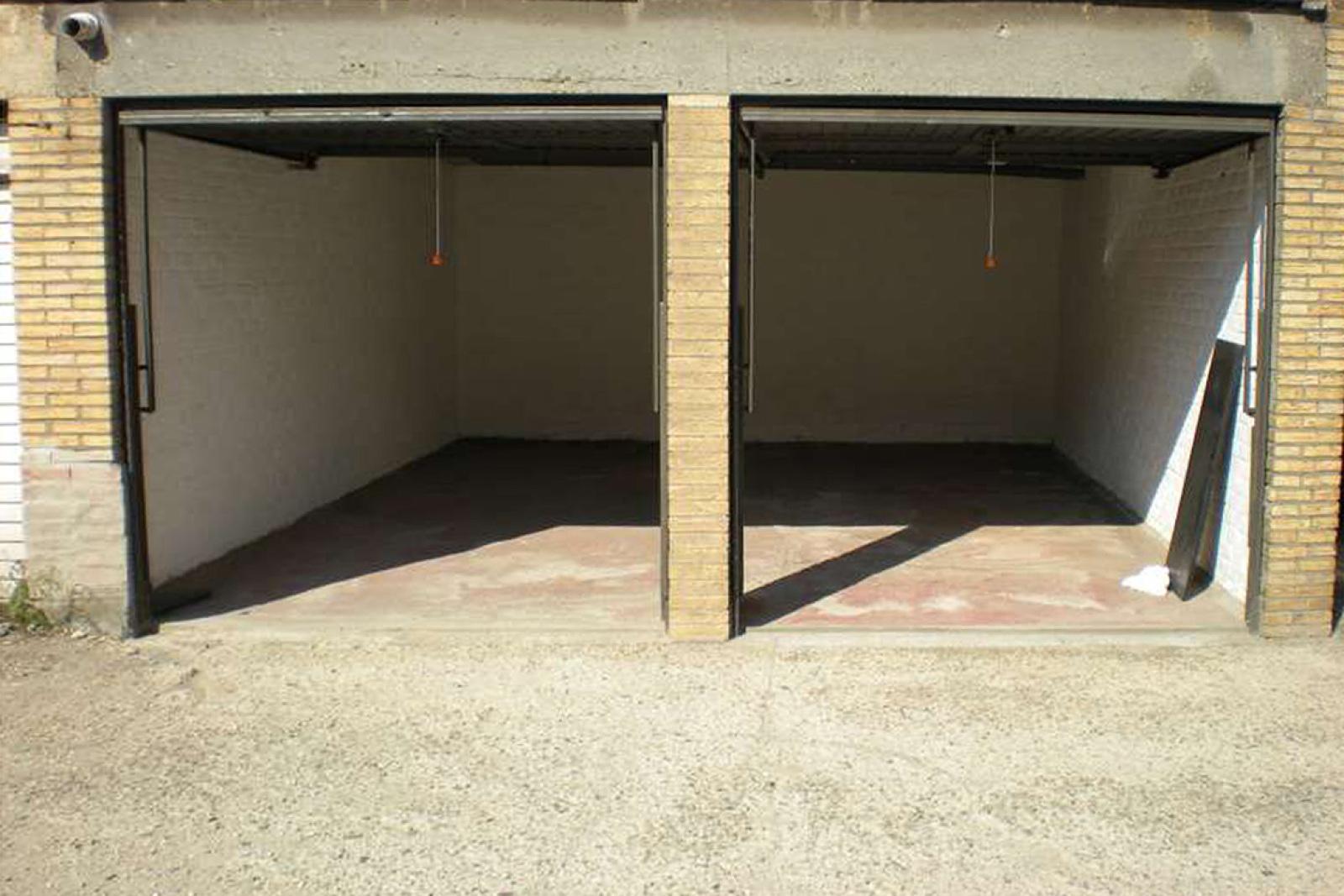 Dubbele garagebox op uitstekende ligging te Deurne! afbeelding 2