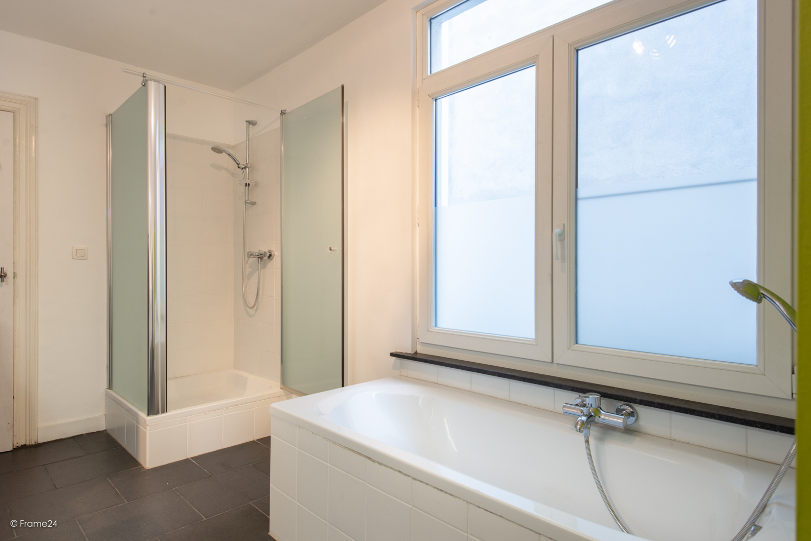 Riante woning in art-nouveaustijl met vijf slaapkamers in een prachtige laan te Wilrijk!  afbeelding 21