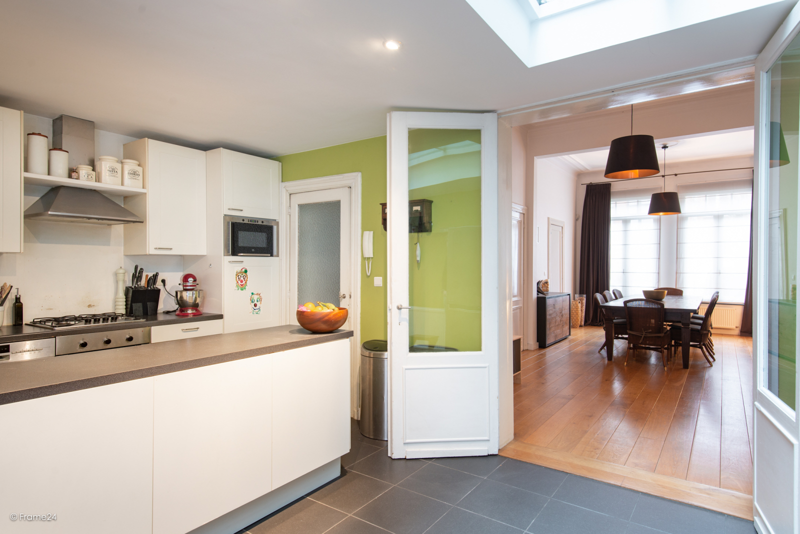 Riante woning in art-nouveaustijl met vijf slaapkamers in een prachtige laan te Wilrijk!  afbeelding 5