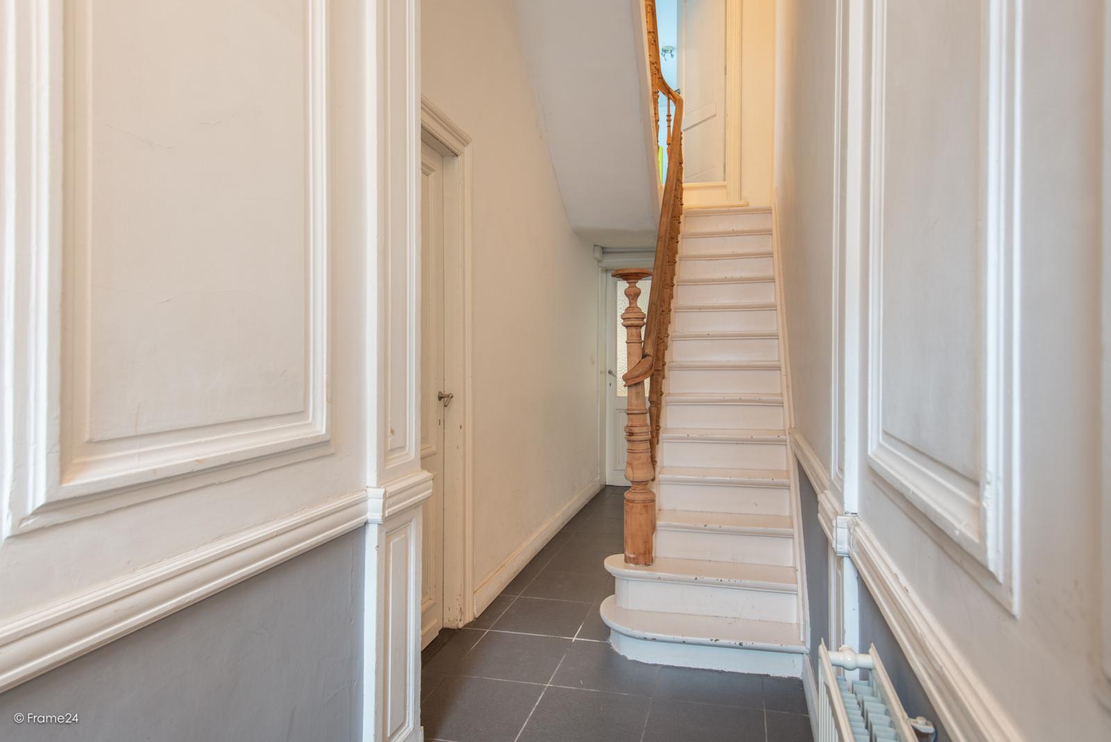 Riante woning in art-nouveaustijl met vijf slaapkamers in een prachtige laan te Wilrijk!  afbeelding 10
