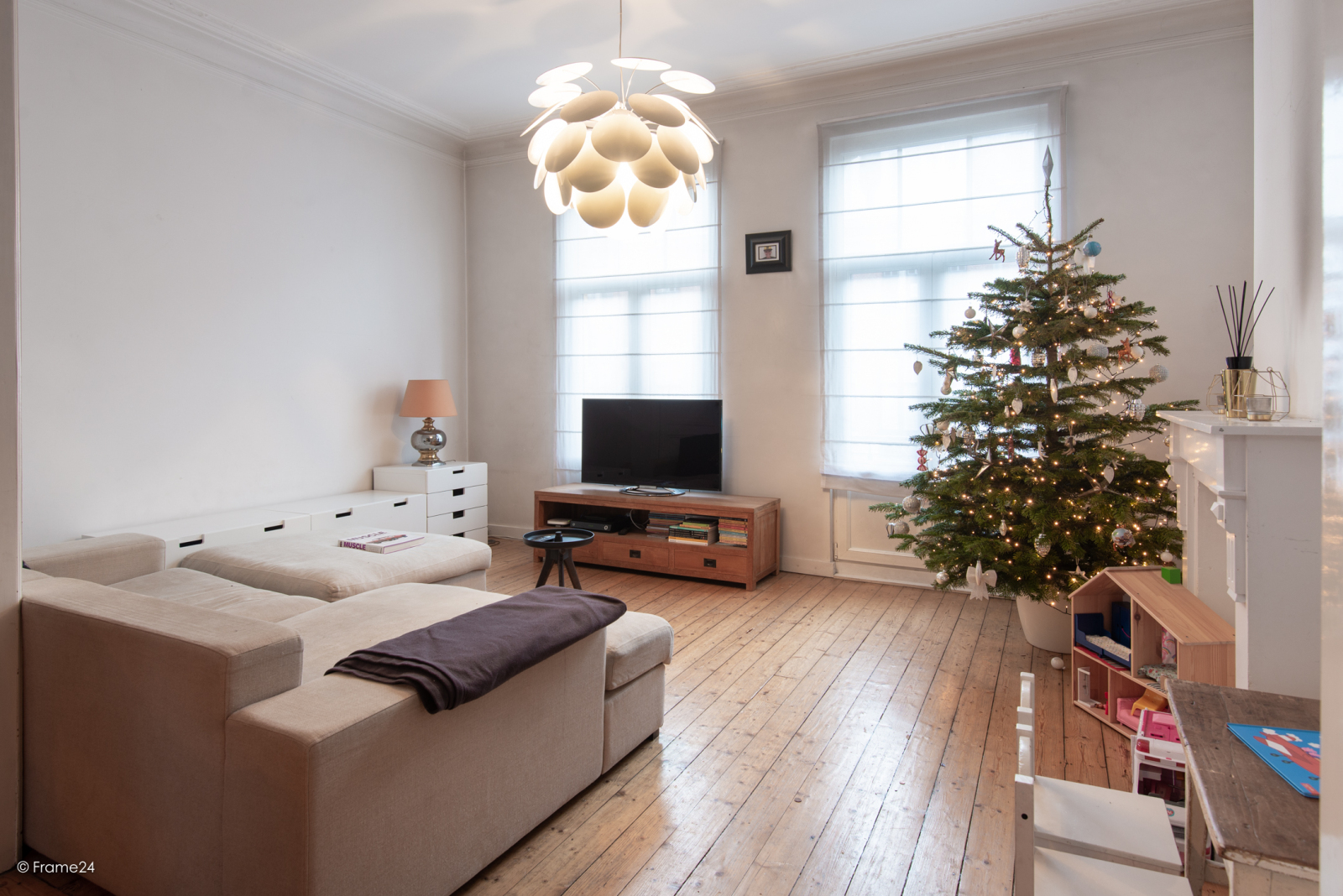 Riante woning in art-nouveaustijl met vijf slaapkamers in een prachtige laan te Wilrijk!  afbeelding 11