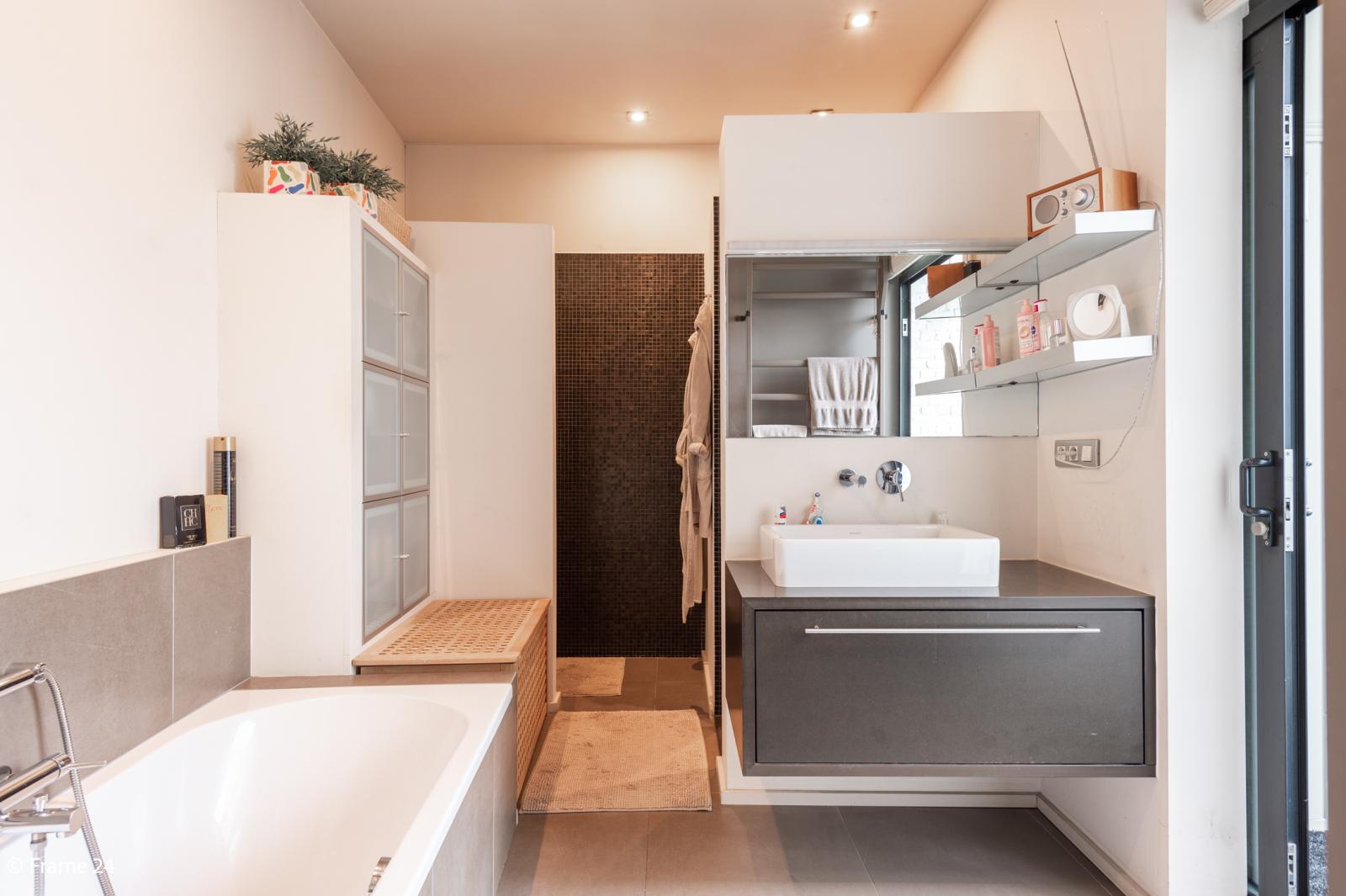 Riante loft (135 m²) met drie terrassen (53 m²) te Borgerhout! afbeelding 11