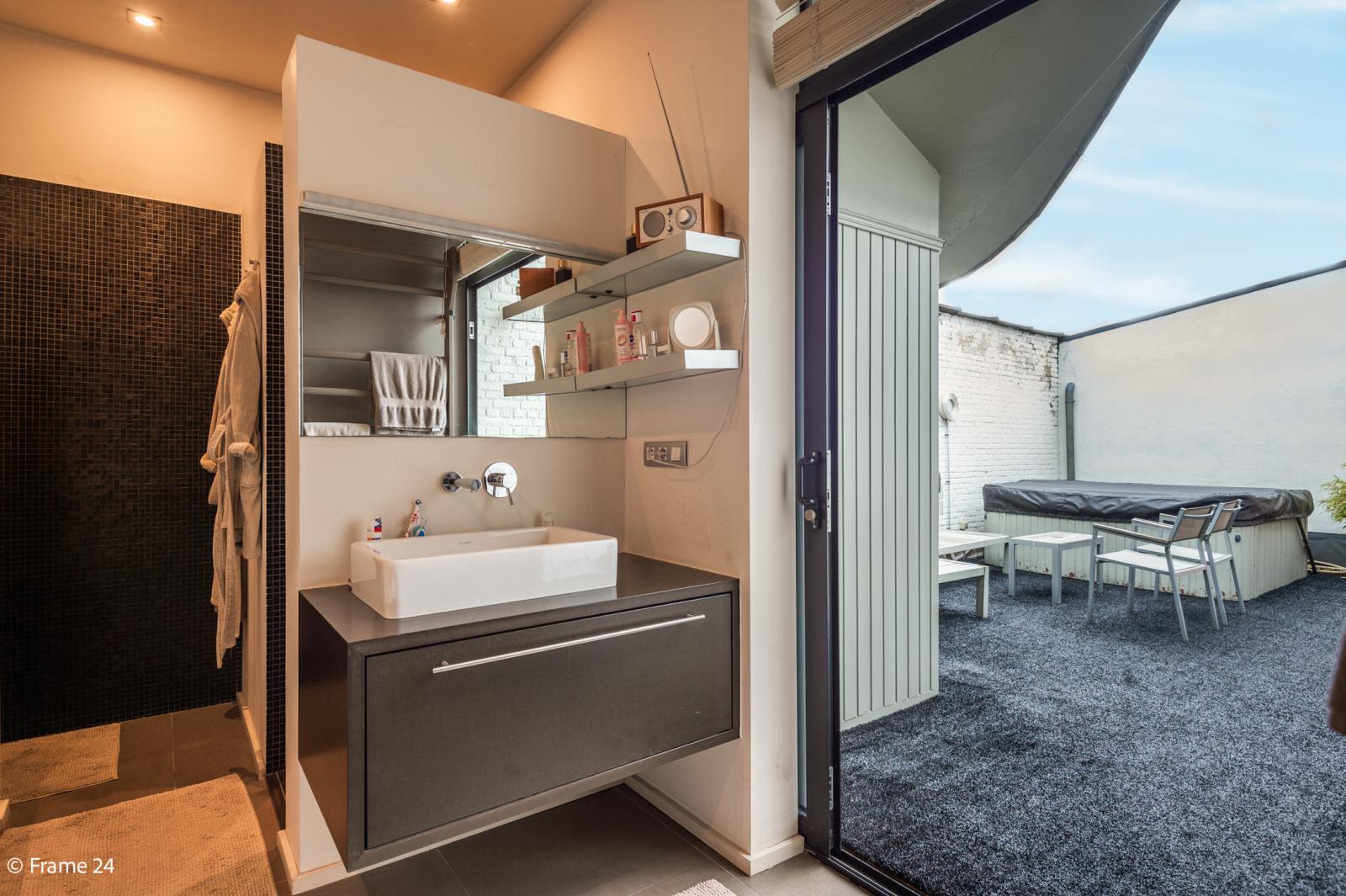 Riante loft (135 m²) met drie terrassen (53 m²) te Borgerhout! afbeelding 12