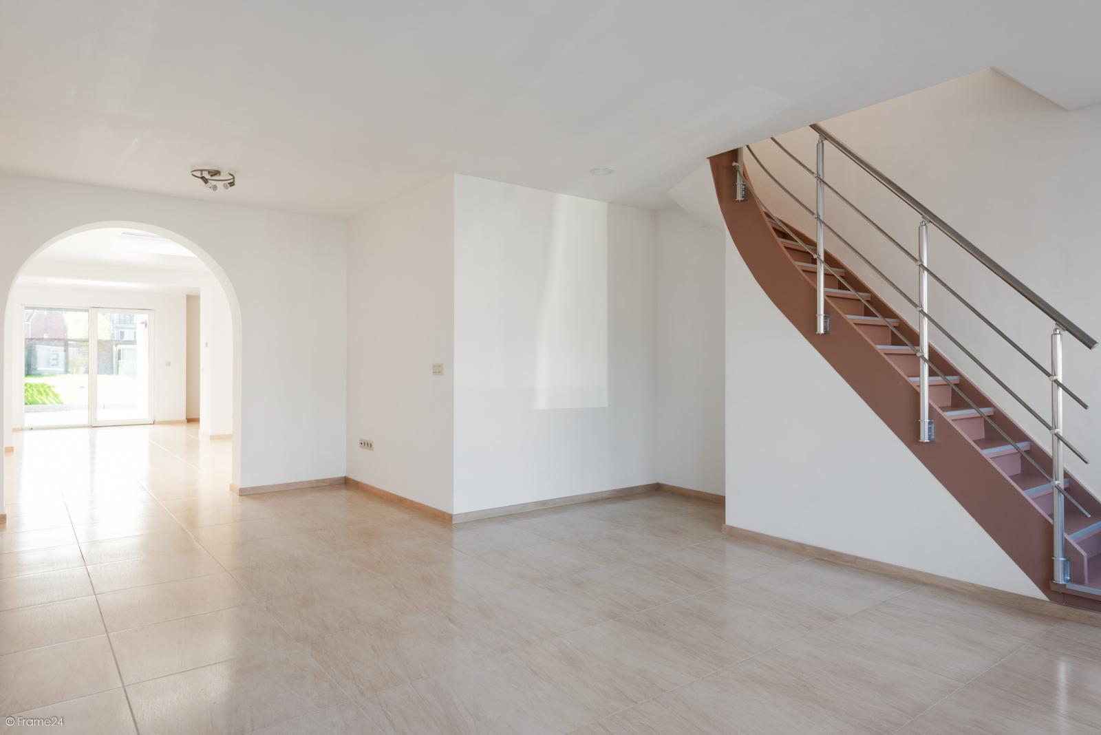Instapklare woning met vier slaapkamers op centrale locatie te Schoten! afbeelding 2