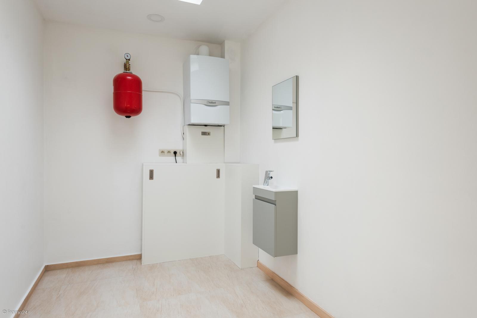 Instapklare woning met vier slaapkamers op centrale locatie te Schoten! afbeelding 9