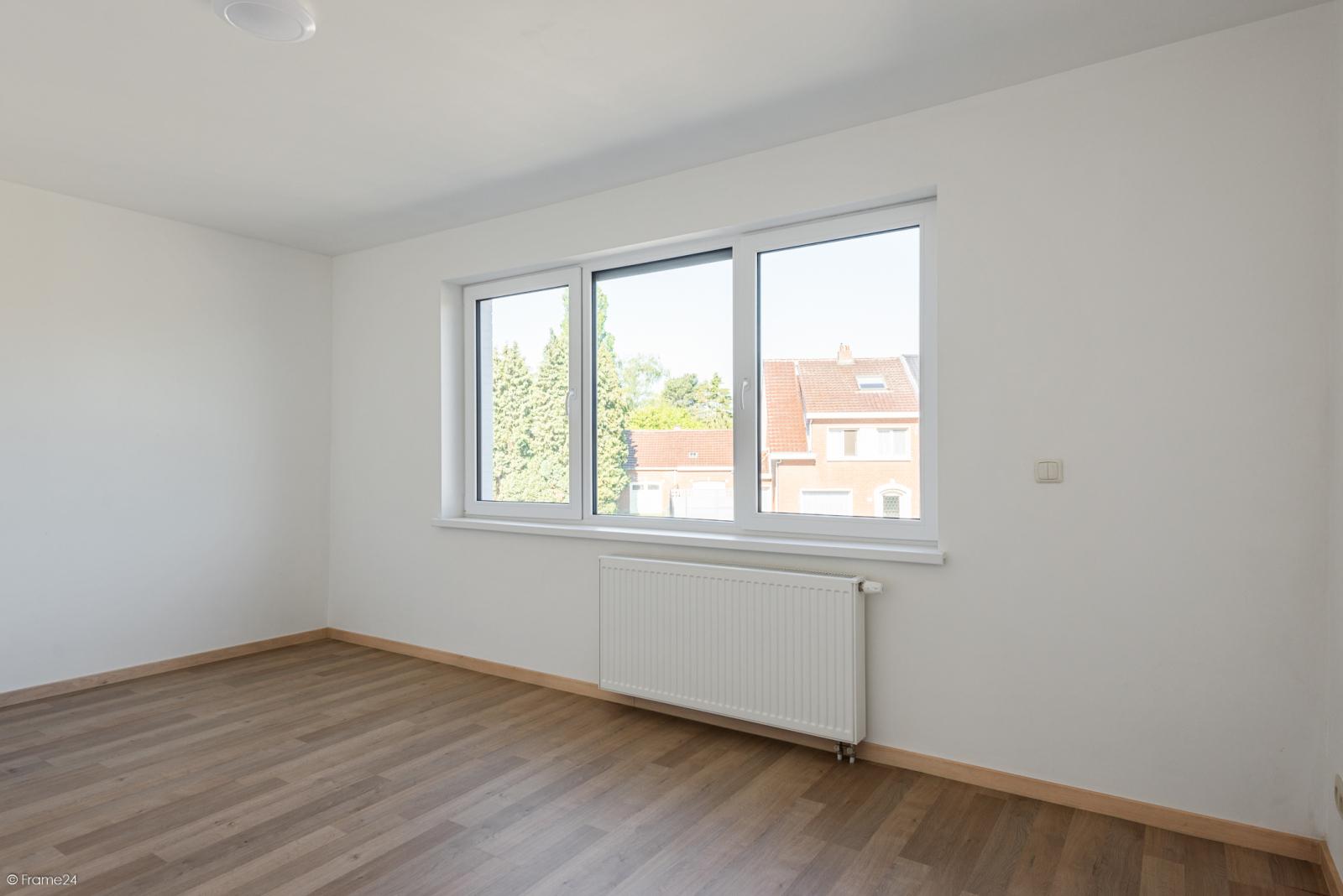 Instapklare woning met vier slaapkamers op centrale locatie te Schoten! afbeelding 13