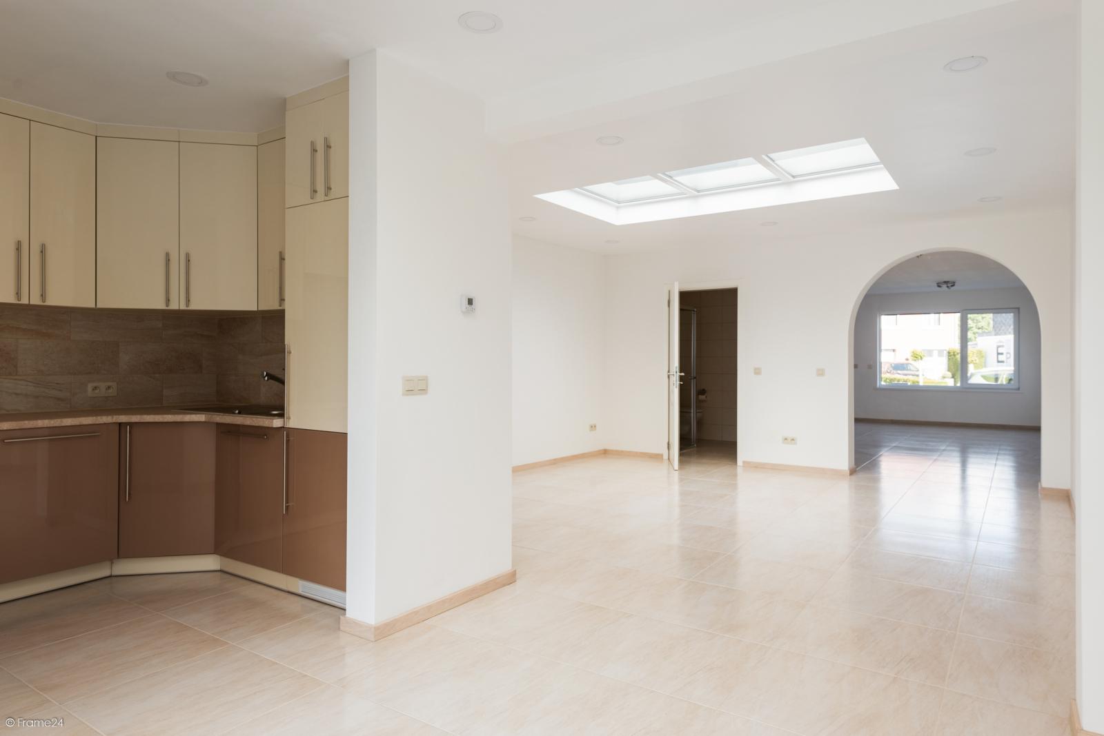 Instapklare woning met vier slaapkamers op centrale locatie te Schoten! afbeelding 3