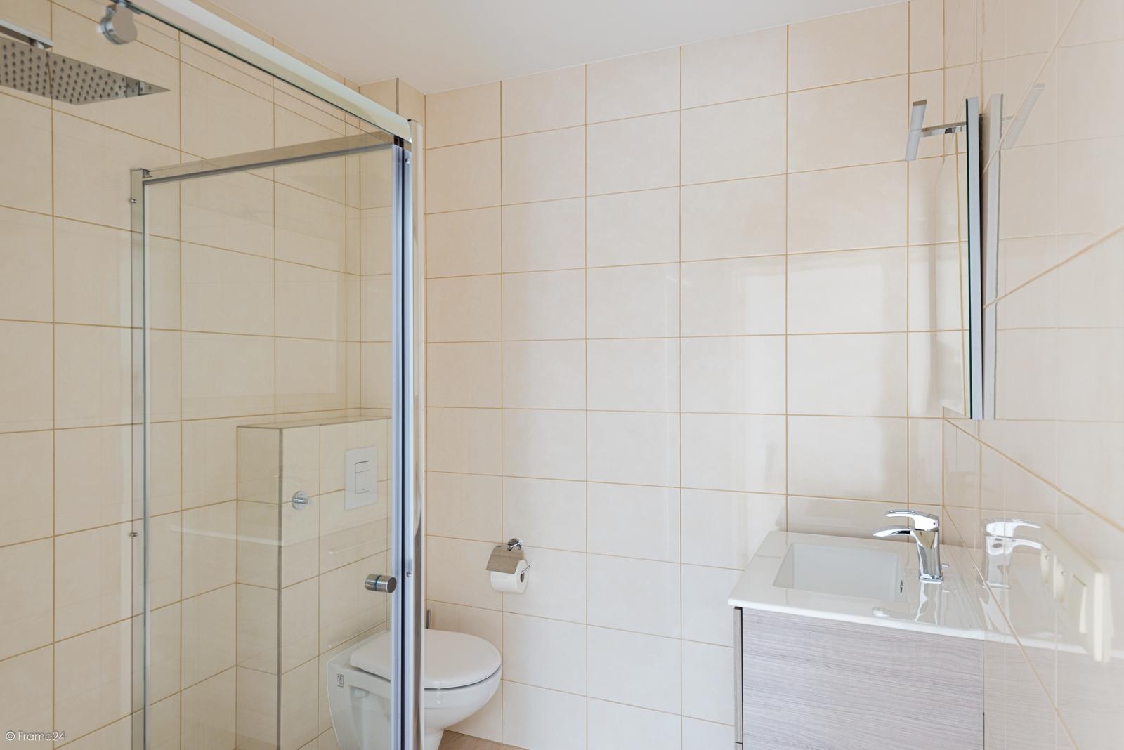 Instapklare woning met vier slaapkamers op centrale locatie te Schoten! afbeelding 10