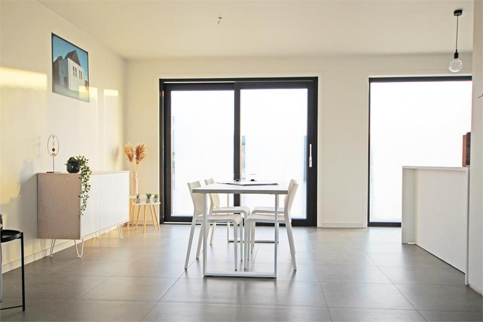 Ruime en hedendaagse nieuwbouw BEN- woning met E-peil 30 te Zandhoven! afbeelding 2