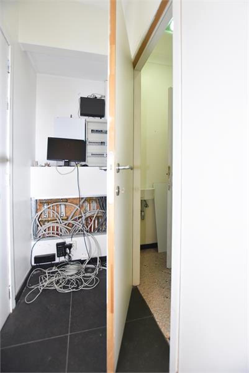 Gerenoveerde handelsruimte (90m²) op commerciële locatie te Berchem! afbeelding 6