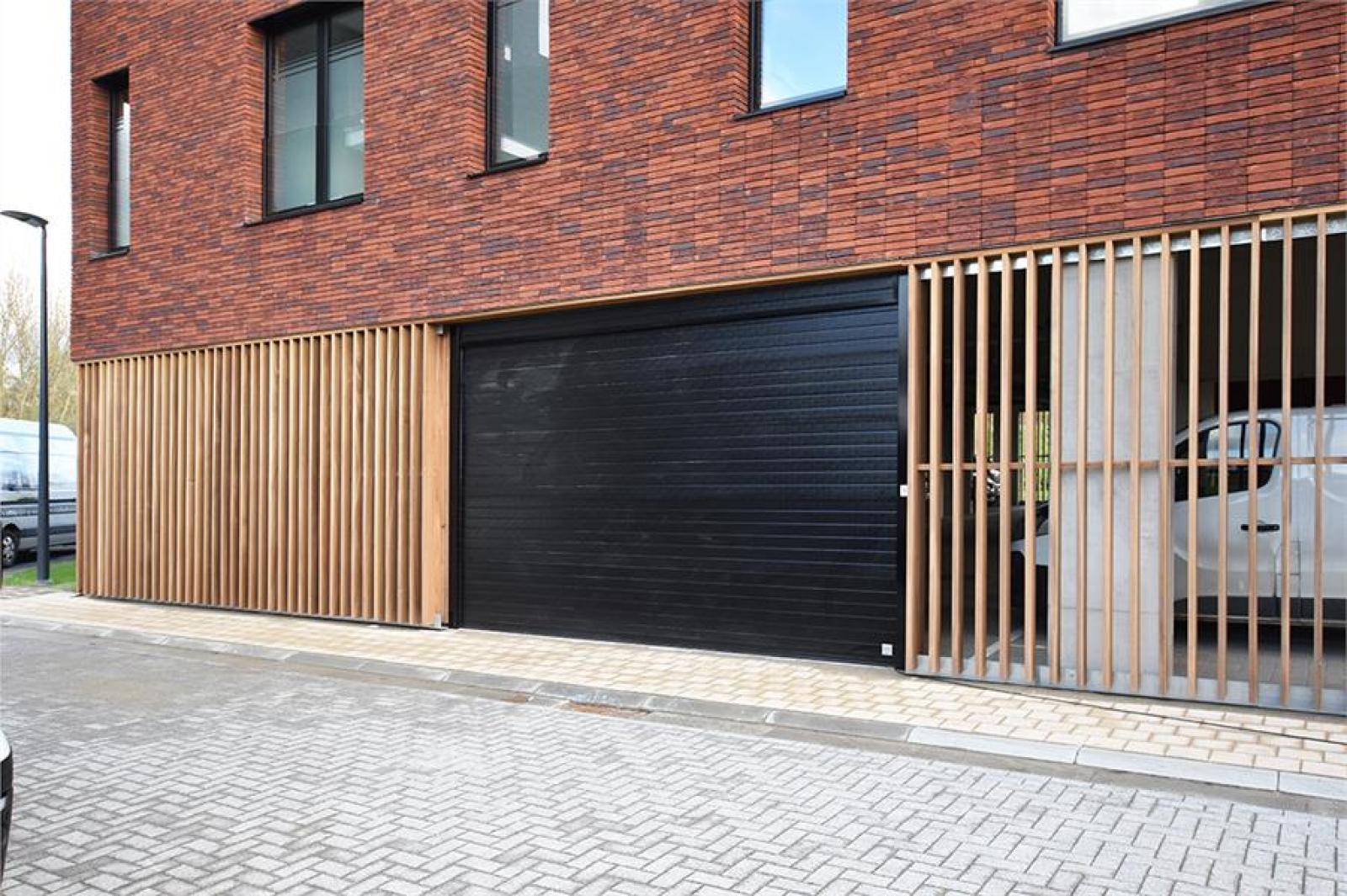 Overdekte staanplaatsen in residentie ' De Boterton ' te Lier! afbeelding 2