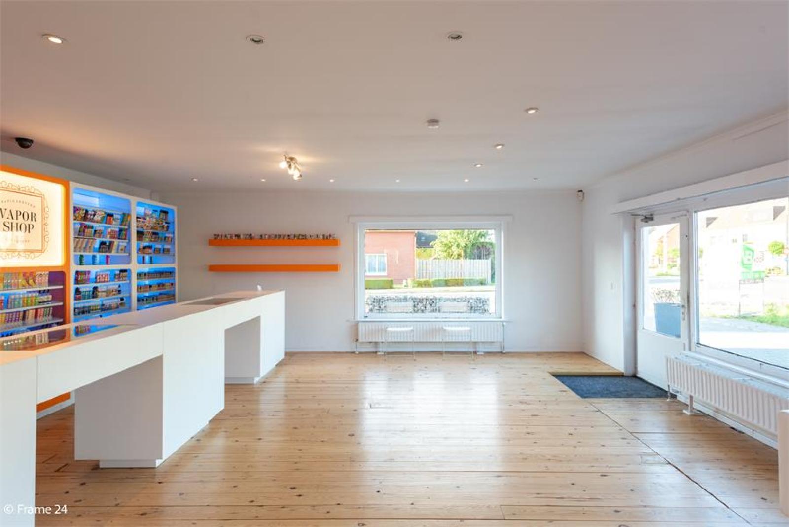Winkelruimte met woonst op commerciële toplocatie te Zandhoven! afbeelding 8