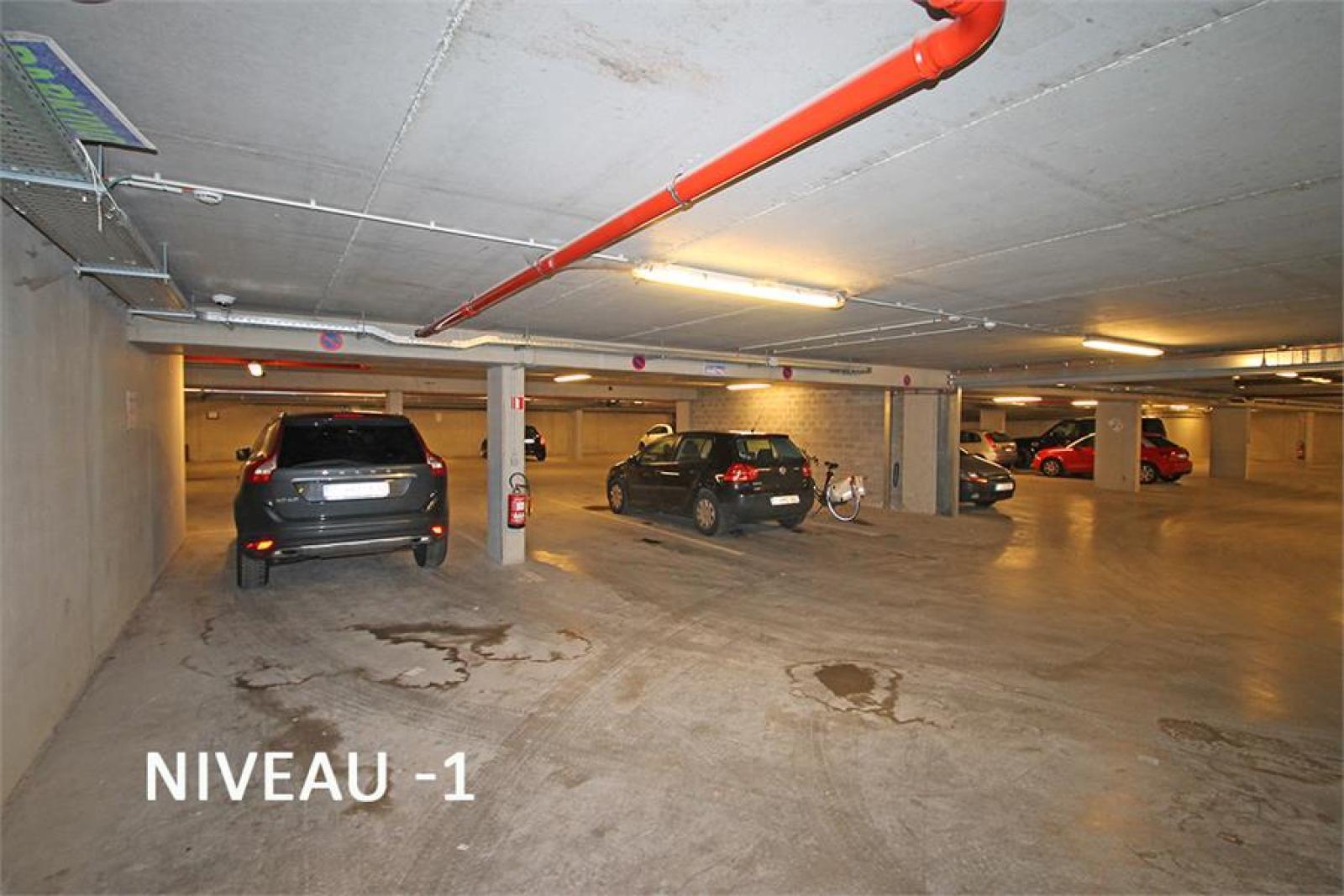 Verschillende ondergrondse staanplaatsen beschikbaar op zeer goede locatie te Antwerpen! afbeelding 7