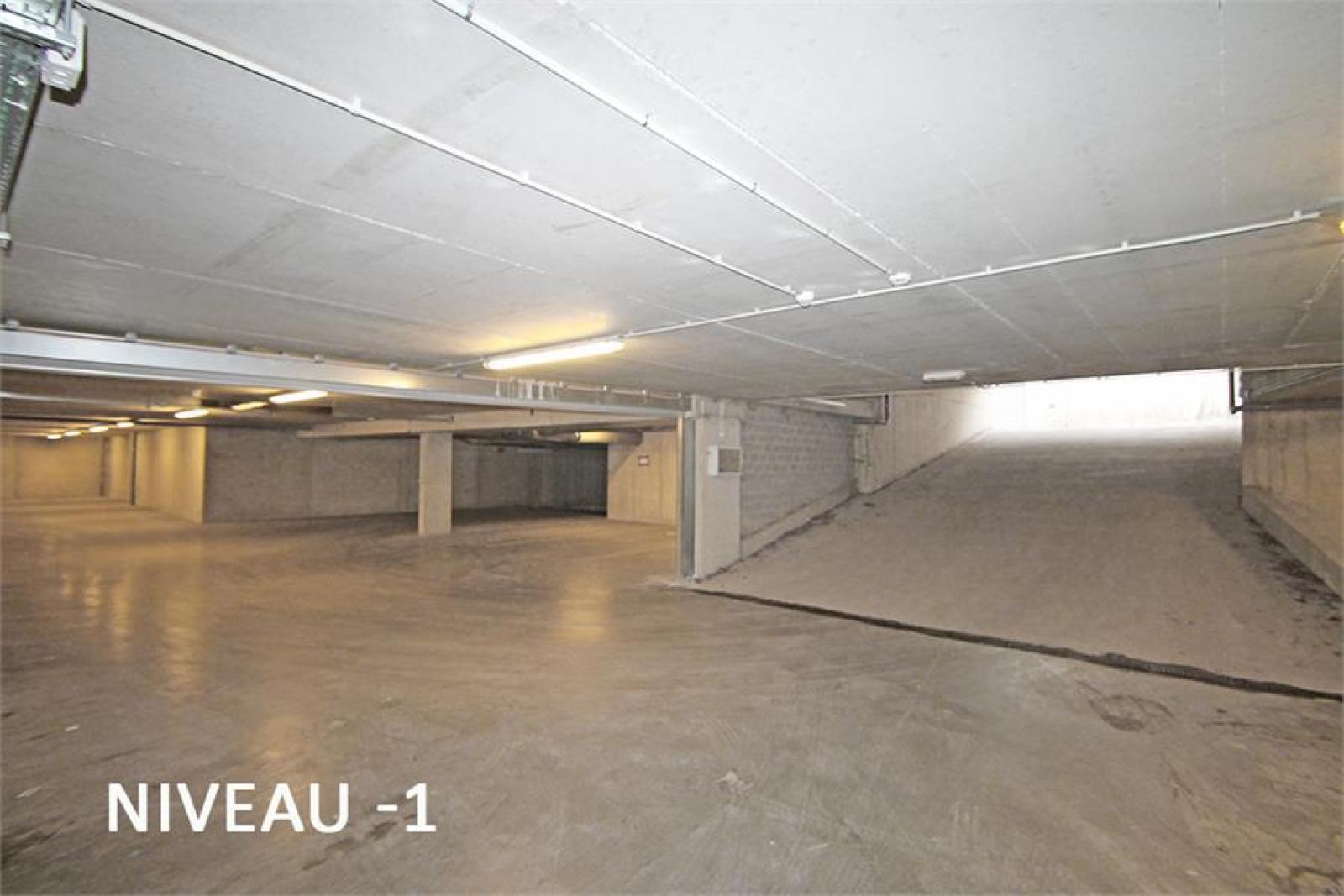 Verschillende ondergrondse staanplaatsen beschikbaar op zeer goede locatie te Antwerpen! afbeelding 6