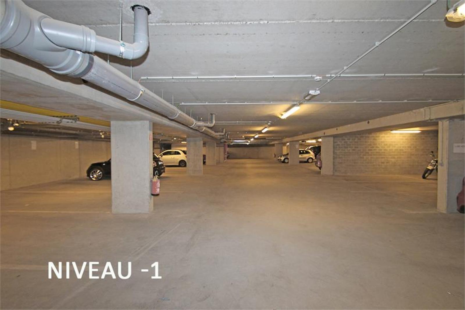 Verschillende ondergrondse staanplaatsen beschikbaar op zeer goede locatie te Antwerpen! afbeelding 8
