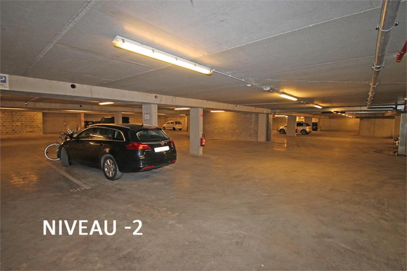 Verschillende ondergrondse staanplaatsen beschikbaar op zeer goede locatie te Antwerpen! afbeelding 11