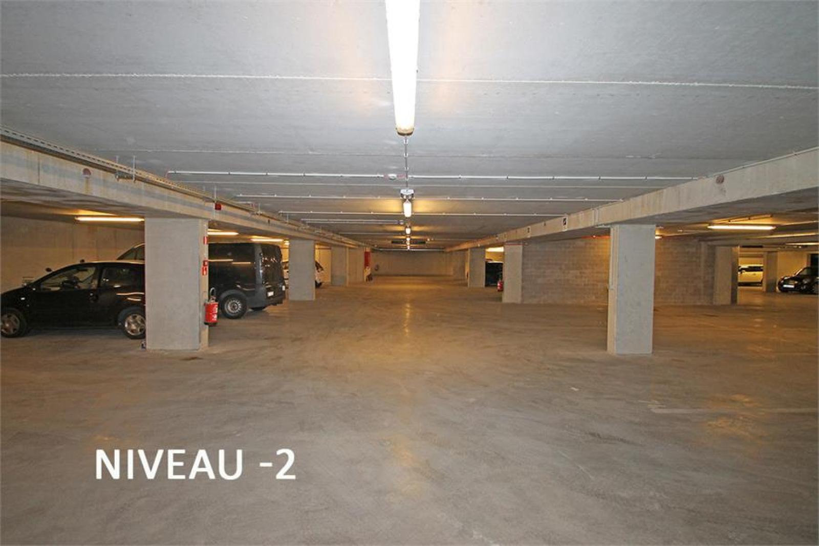 Verschillende ondergrondse staanplaatsen beschikbaar op zeer goede locatie te Antwerpen! afbeelding 12