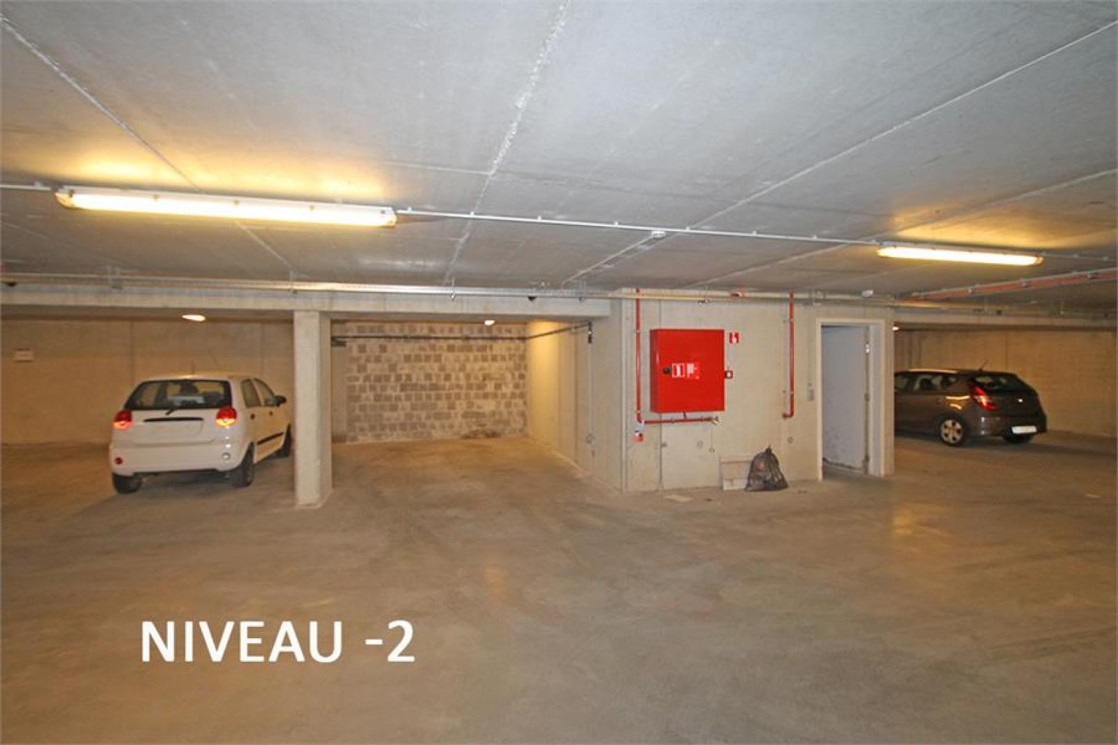 Verschillende ondergrondse staanplaatsen beschikbaar op zeer goede locatie te Antwerpen! afbeelding 13