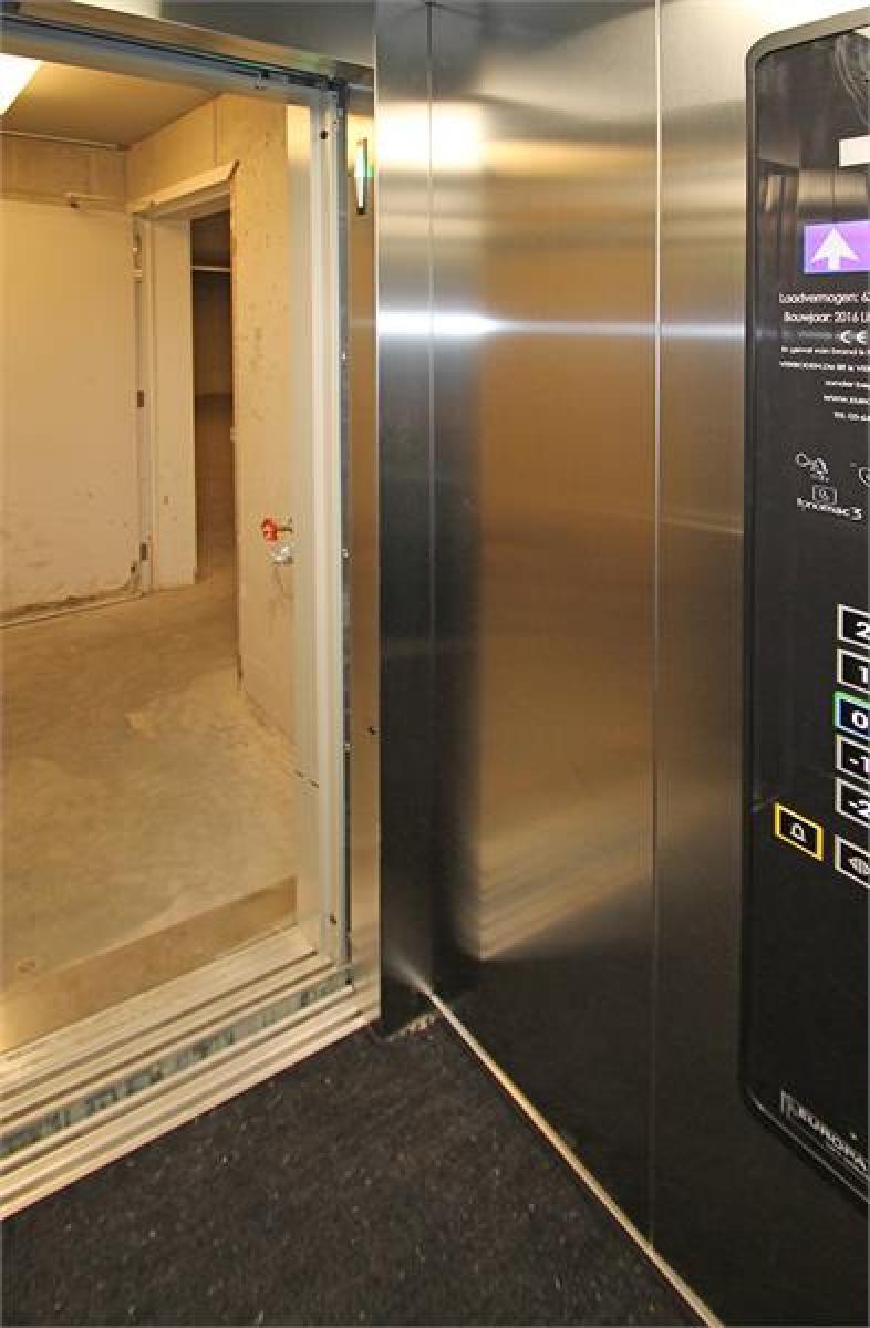 Verschillende ondergrondse staanplaatsen beschikbaar op zeer goede locatie te Antwerpen! afbeelding 15