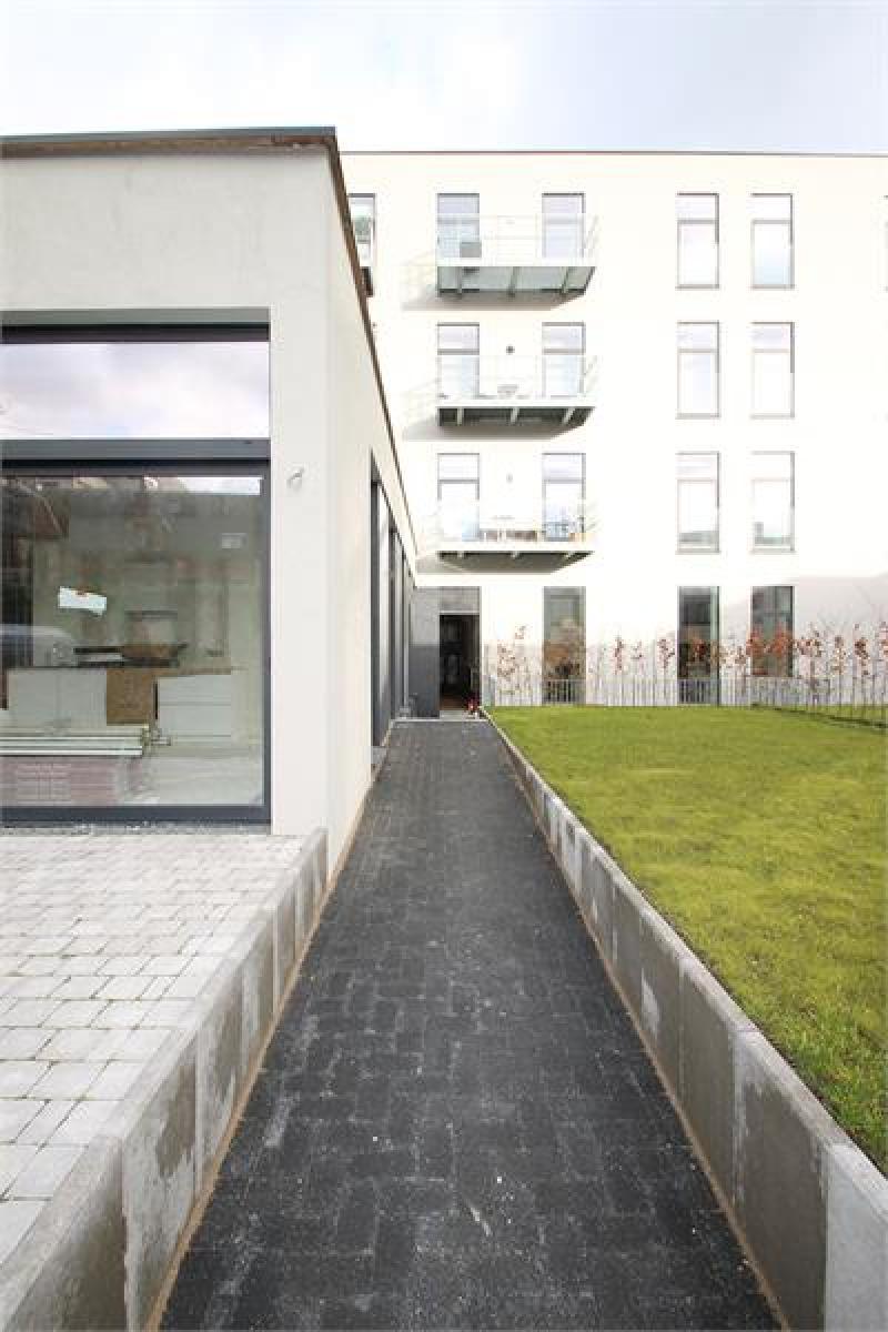 Verschillende ondergrondse staanplaatsen beschikbaar op zeer goede locatie te Antwerpen! afbeelding 16
