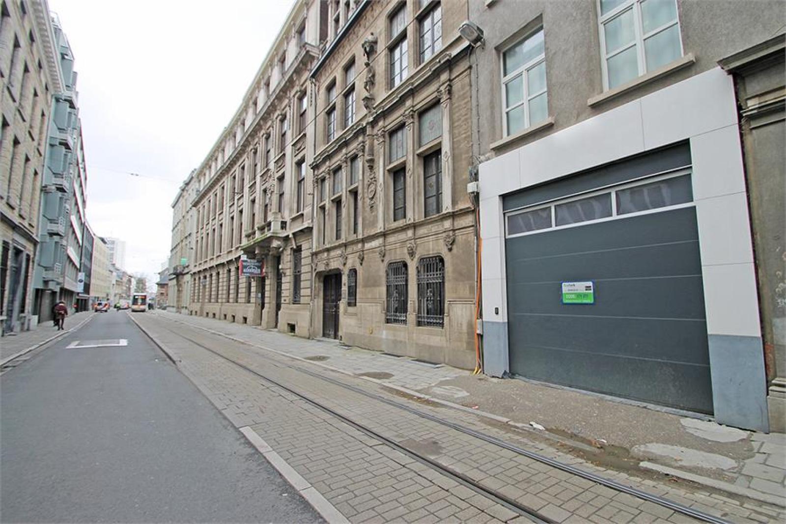 Verschillende ondergrondse staanplaatsen beschikbaar op zeer goede locatie te Antwerpen! afbeelding 1
