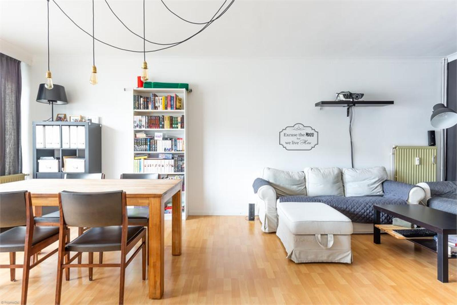 Instapklaar appartement (77 m²) met twee slaapkamers op centrale ligging te Deurne! afbeelding 1