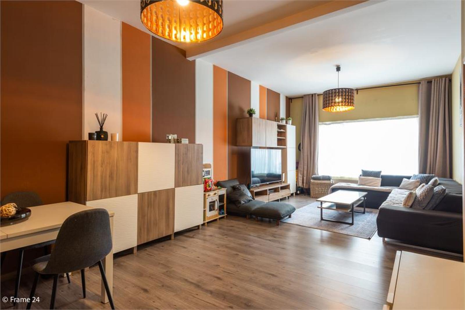 Gerenoveerde woning met drie slaapkamers en terras te Deurne afbeelding 3