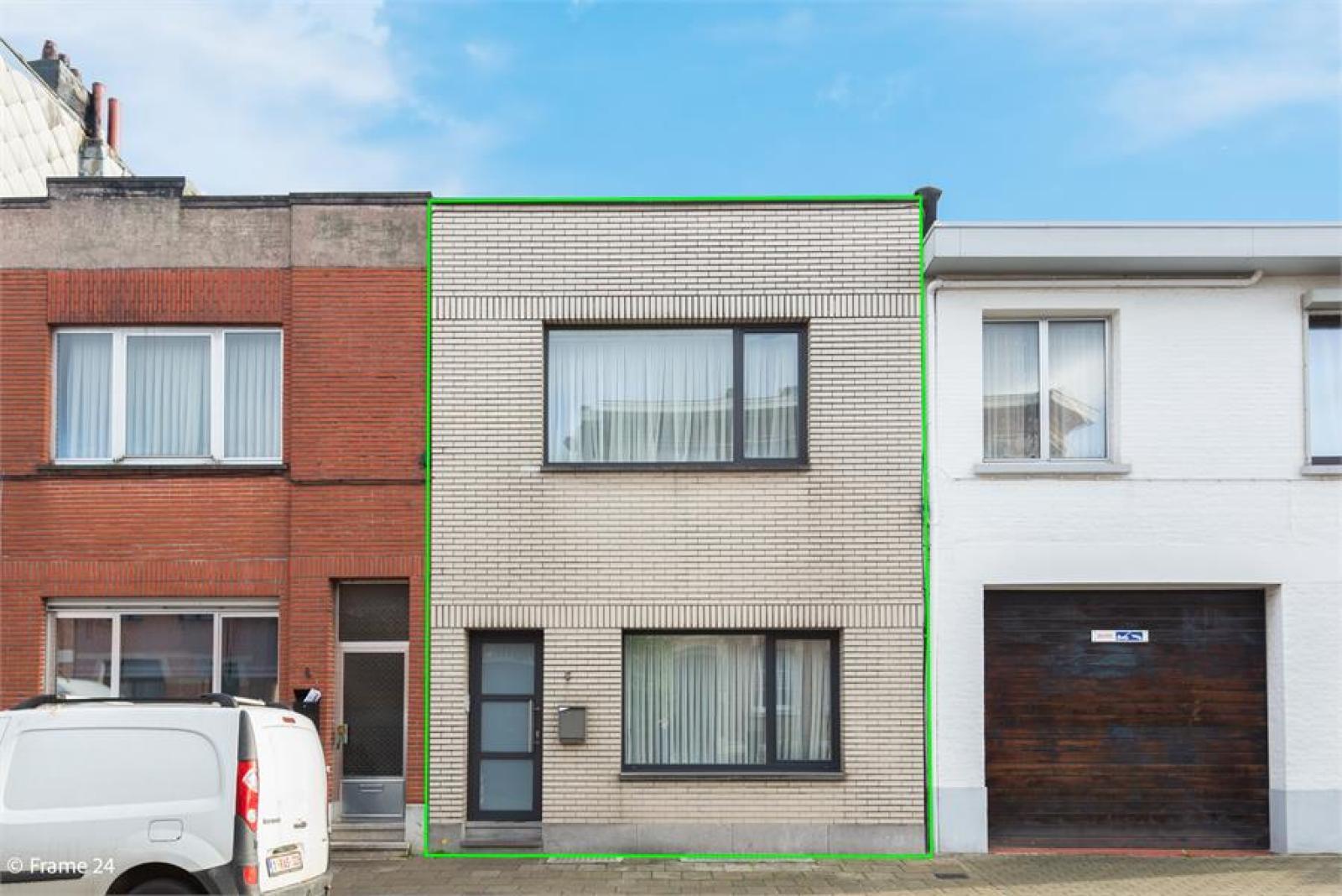 Gerenoveerde woning met drie slaapkamers en terras te Deurne afbeelding 2