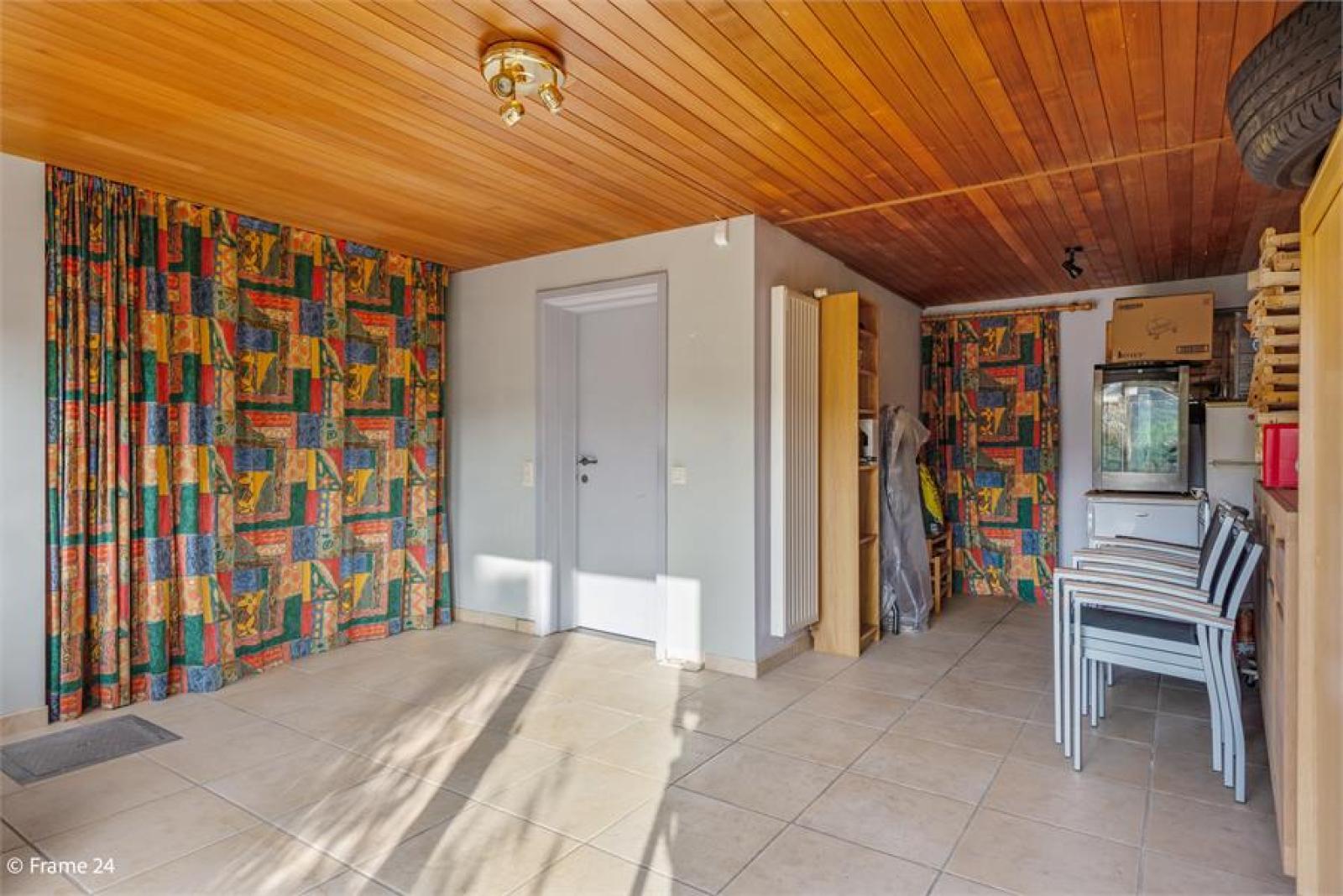 Verzorgde bel-étage met 3 slaapkamers, tuin en garage nabij centrum Wijnegem gelegen. afbeelding 20
