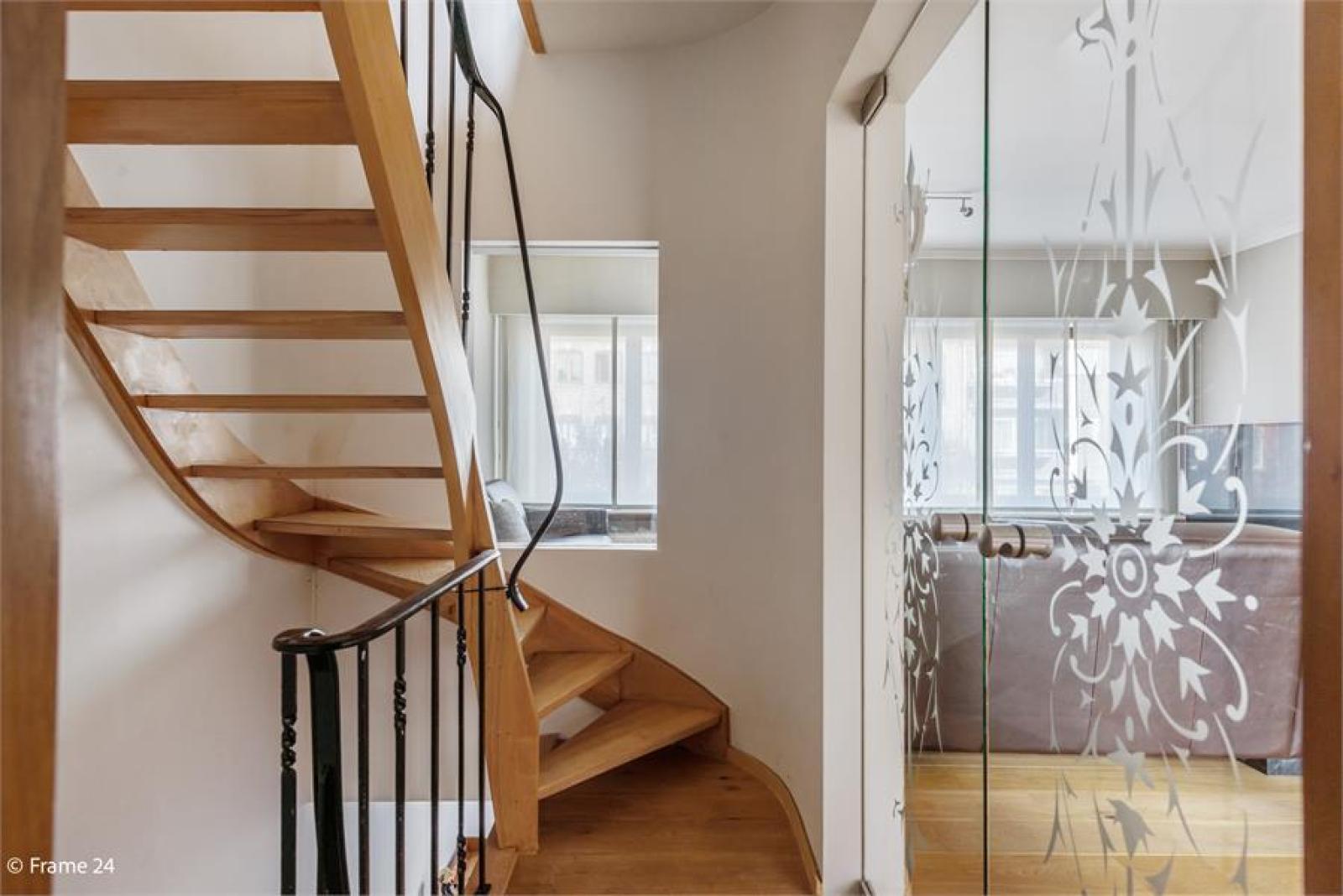 Verzorgde bel-étage met 3 slaapkamers, tuin en garage nabij centrum Wijnegem gelegen. afbeelding 14
