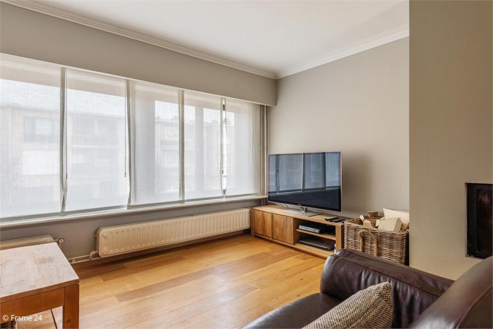 Verzorgde bel-étage met 3 slaapkamers, tuin en garage nabij centrum Wijnegem gelegen. afbeelding 6
