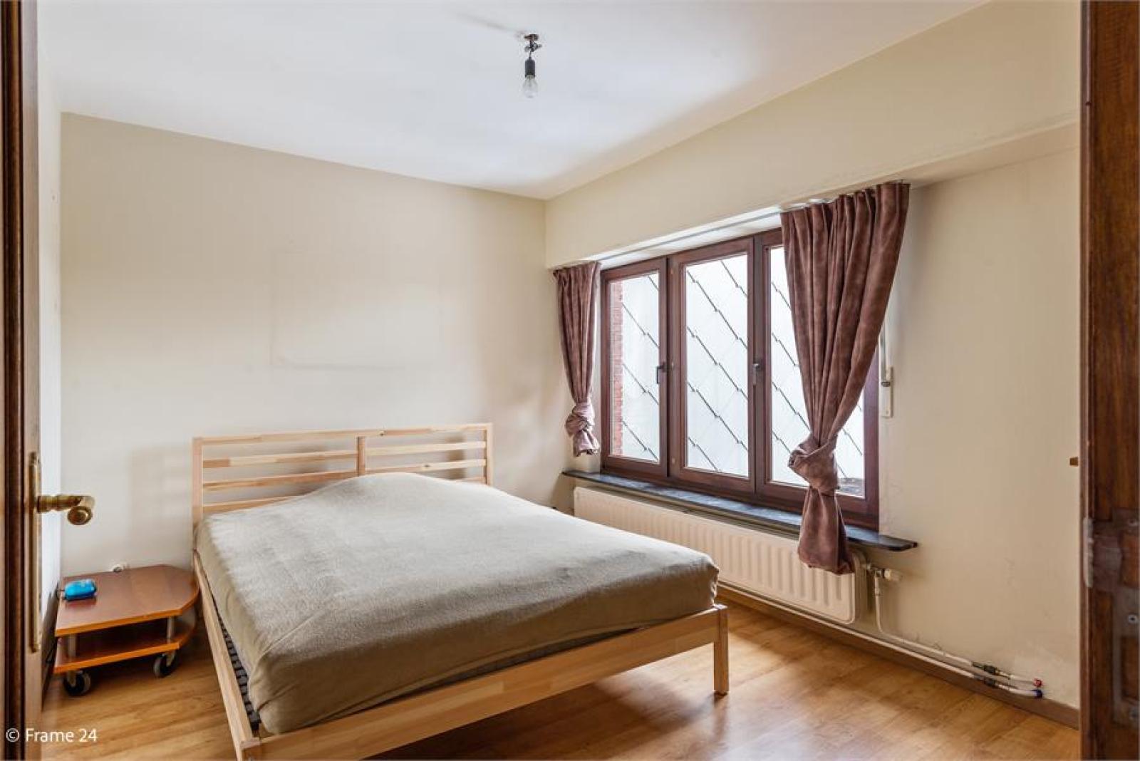 Verzorgde bel-étage met 3 slaapkamers, tuin en garage nabij centrum Wijnegem gelegen. afbeelding 16