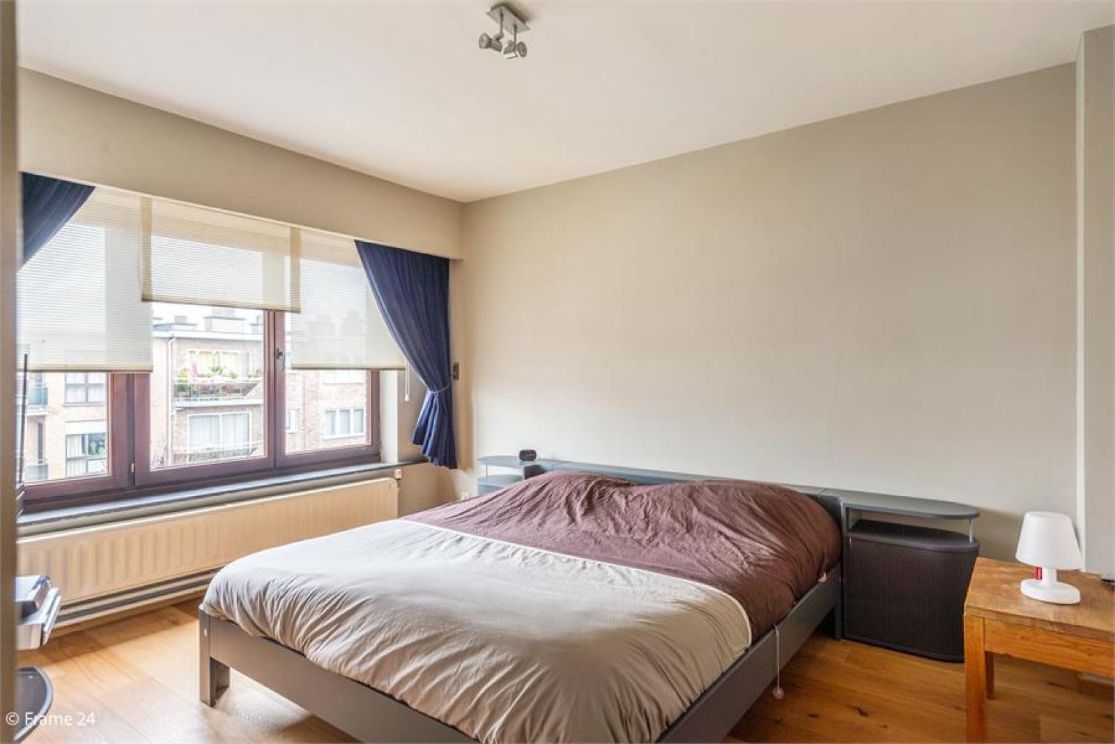 Verzorgde bel-étage met 3 slaapkamers, tuin en garage nabij centrum Wijnegem gelegen. afbeelding 15