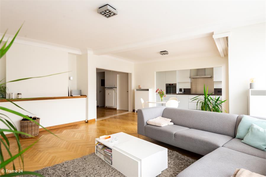 Vernieuwd en riant appartement (115 m²) in Diamantwijk te Antwerpen! afbeelding 1