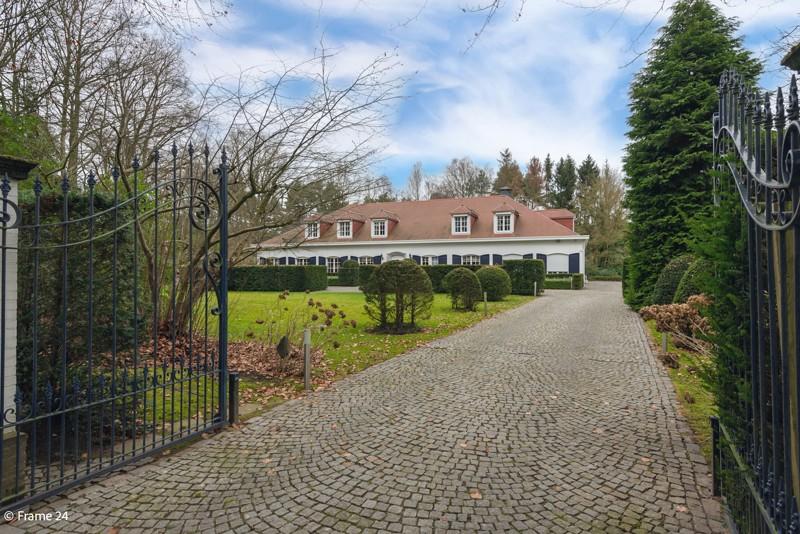 Riante Franse villa op een perceel van 5.400 m² te Schilde. afbeelding 1
