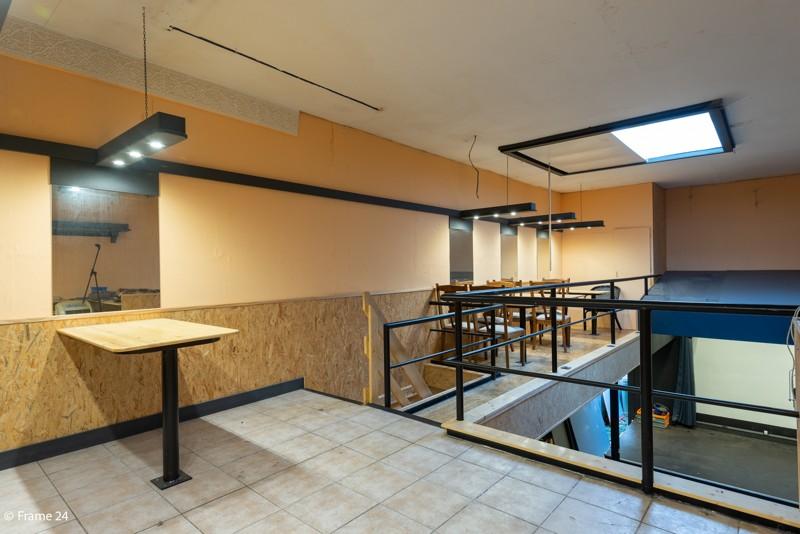 Handelsgelijkvloers met duplex-appartement gelegen op een zeer centrale locatie te Deurne! afbeelding 5