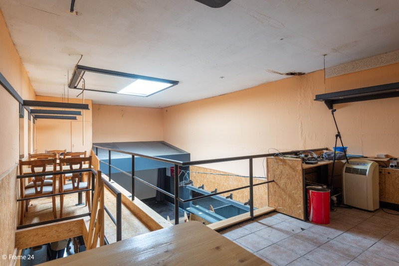 Handelsgelijkvloers met duplex-appartement gelegen op een zeer centrale locatie te Deurne! afbeelding 6