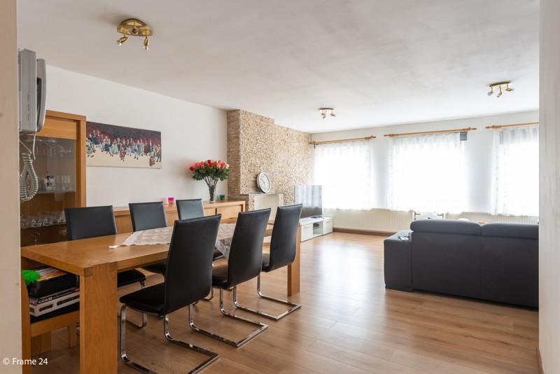 Handelsgelijkvloers met duplex-appartement gelegen op een zeer centrale locatie te Deurne! afbeelding 10