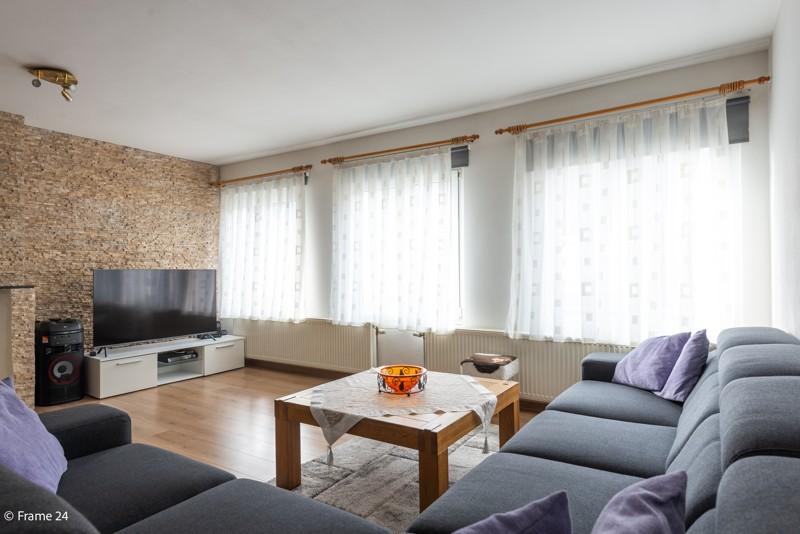 Handelsgelijkvloers met duplex-appartement gelegen op een zeer centrale locatie te Deurne! afbeelding 13