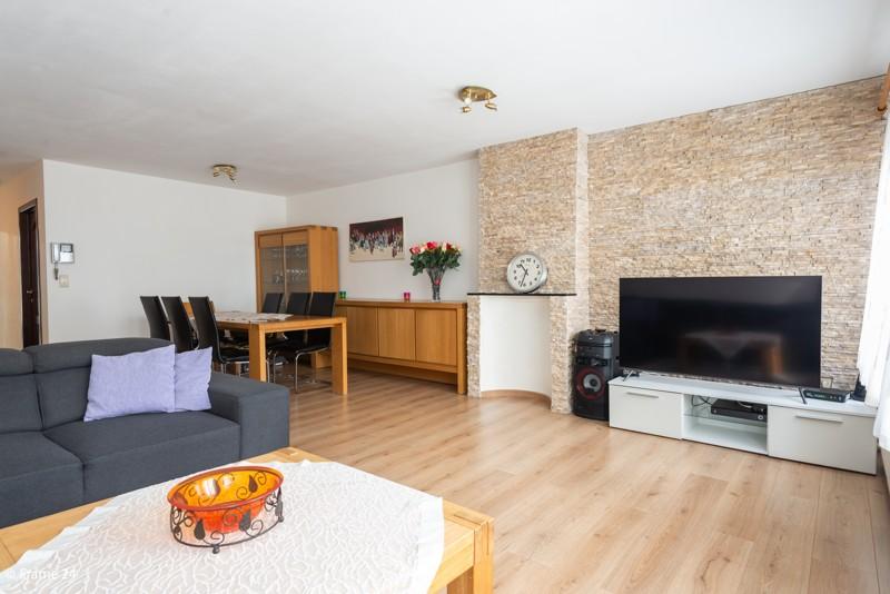 Handelsgelijkvloers met duplex-appartement gelegen op een zeer centrale locatie te Deurne! afbeelding 11